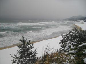 雪の琴引浜